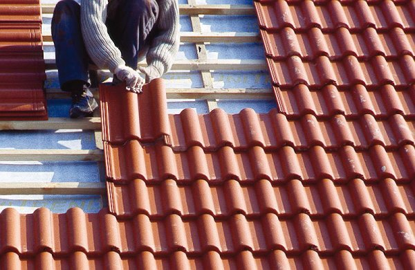 Laying Mangalore Roof Tile